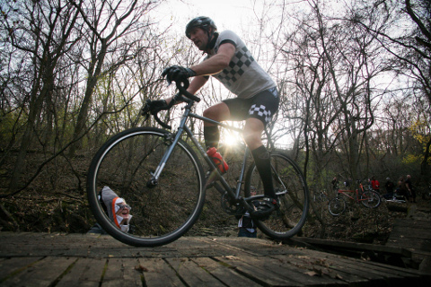 All-City Brand Manager Jeff Frane racing his Macho King prototype at Bandit Cross