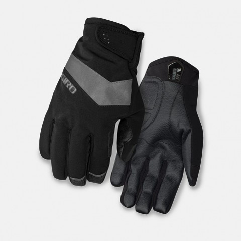 No weather is too rough for cycling when you're wearing a warm set of Pivot gloves from Giro.
